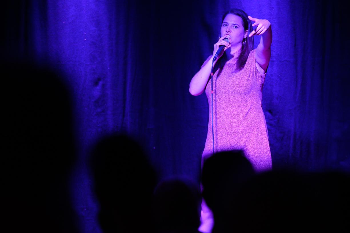 Isabel Meili, auf der Bühne KU.BA im Marchfeld (c) Robert Reiser